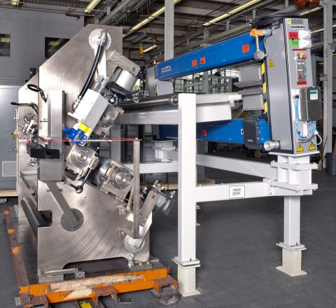 Reverse Roll Coater with Closed Loop Speed and Gap Control